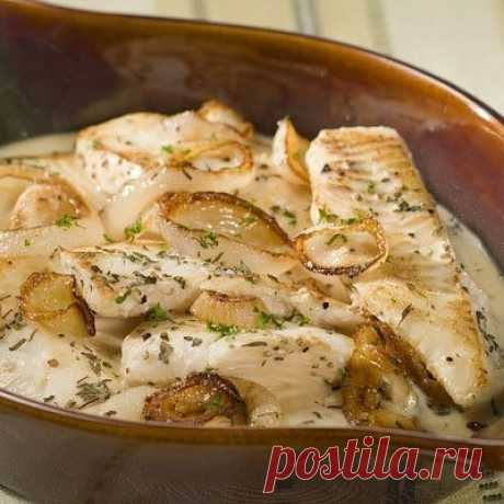Как приготовить рыба приготовленная в сметане - рецепт, ингредиенты и фотографии