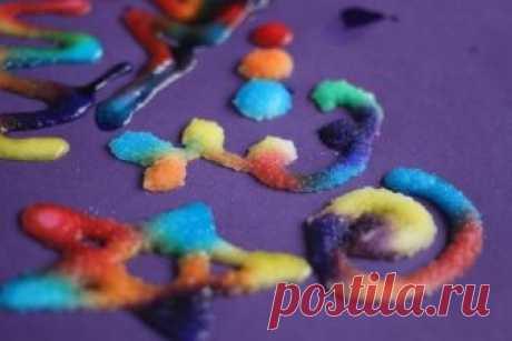 Рисуем акварелью на соли - красивые переливы красок!!! — Поделки с детьми