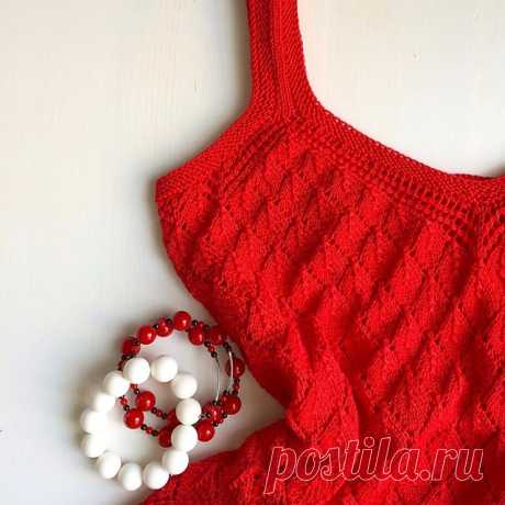 Платье вязаное спицами из пряжи хлопок производства Италия.