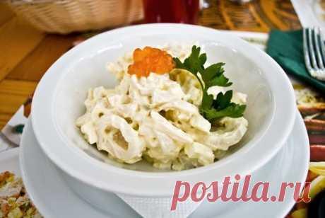 Салат из кальмаров с сыром и грецкими орехами рецепт