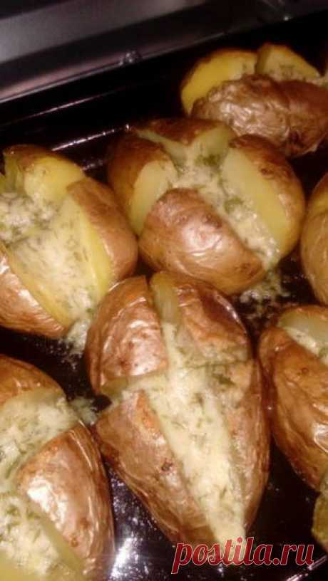 Запеченный картофель с интересной начинкой