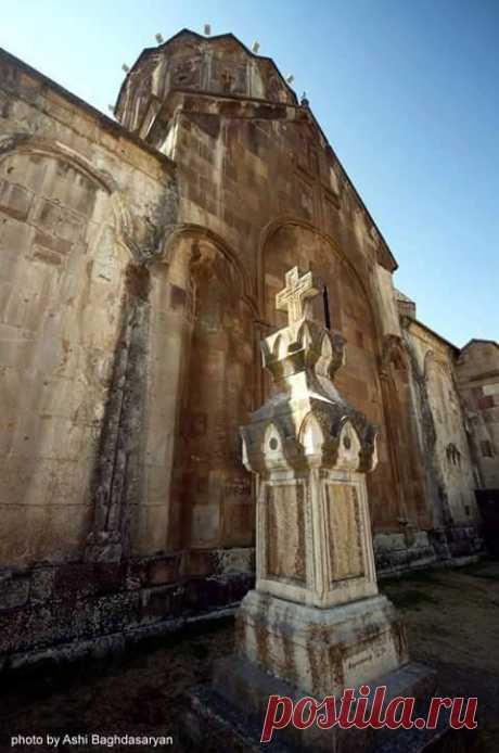 Գանձասար (Արցախ) Gandzasar Monastery(Artsakh) Northern entrance to the gavit, Северный вход в гавит, Photo by Ashy Baghdasaryan