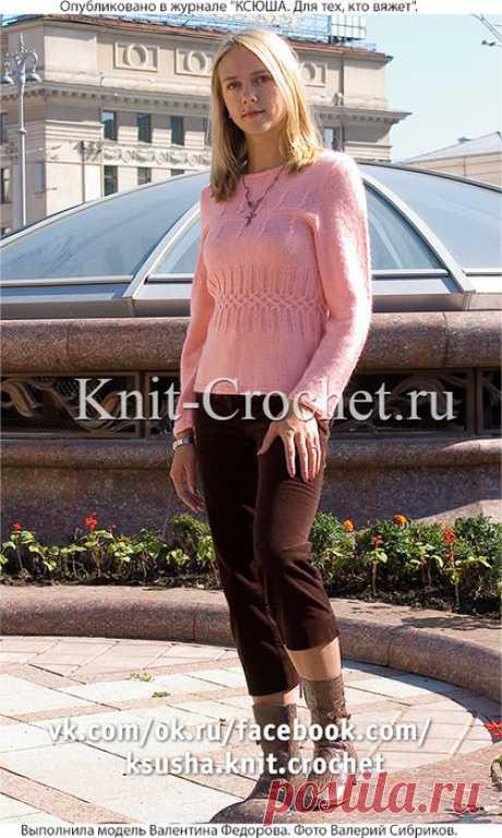 Женский пуловер спицами.