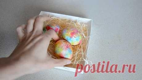 COMO HERMOSAMENTE y PINTAR rápidamente los HUEVOS \/ la Preparación para la PASCUA pintamos los Huevos