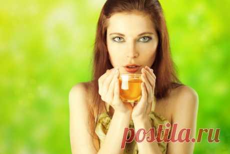 Целебный напиток из зеленого чая, имбиря и корицы