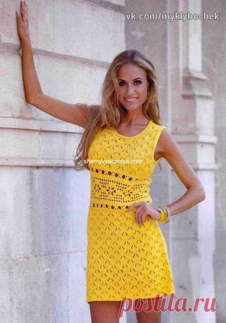 """Мини платье с ажурной планкой на талии #вязание #крючком #спицами  Сохраняйте в свои копилочки нажав """"Поделиться"""" или """"Мне нравится""""."""