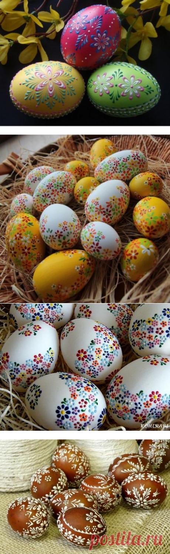 Восковые рисунки на пасхальных яйцах...
