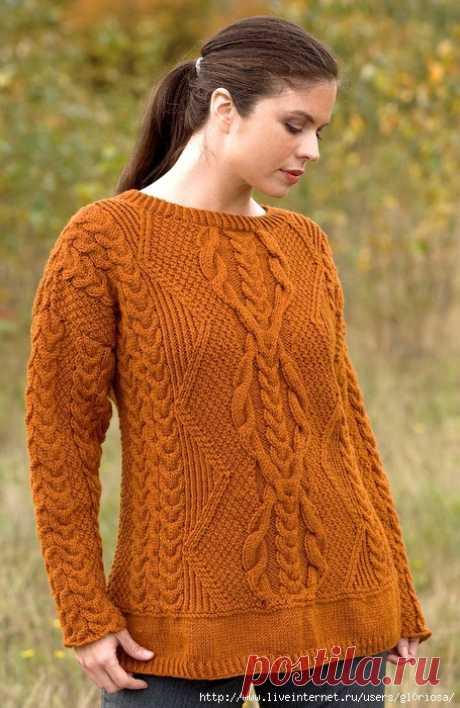 Пуловер с разными узорами горчичного цвета