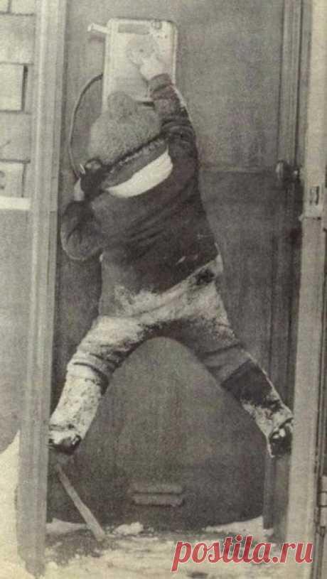 """Звонок маме на работу, СССР, 1970-е годы """"Лайк"""" малышу за целеустремленность!)))"""
