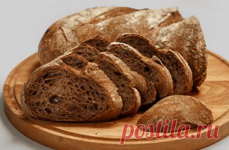 Хлеб с плесенью – можно ли его есть и что с ним делать