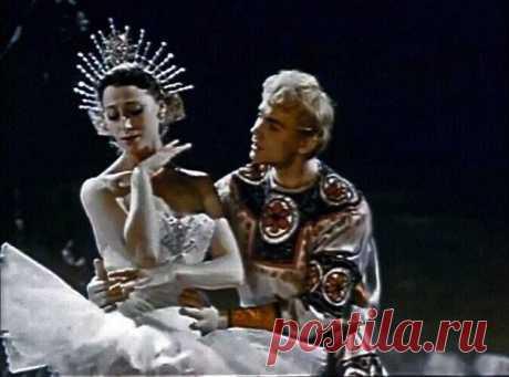 «КОНЁК—ГОРБУНОК» — одноимённый балет Родиона Щедрина (здесь уже авторство бесспорное)  Балет «Конек-горбунок» был написан Родионом Щедриным в 1956-58 г., когда он еще учился в Московской консерватории, и балет ему заказал Большой театр. Партитуру балета «Конёк-Горбунок» Родион Щедрин посвятил великой Майе Плисецкой.