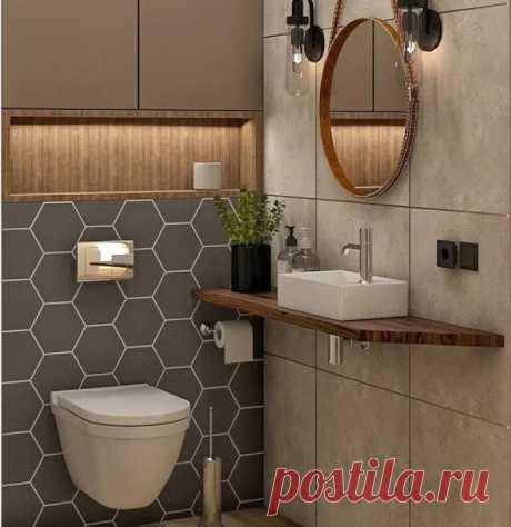 Туалет — самая маленькая комната, поэтому тут особые правила дизайна. А уж если у вас в наличии всего 1 кв. м, придется особенно тщательно продумать каждый сантиметр пространства. Все детали имеют значение.
