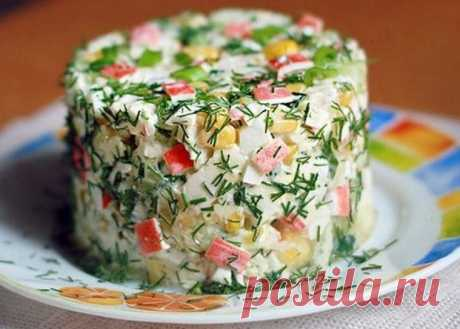 Салат из крабовых палочек, яблока и огурца - пошаговые рецепты с фото на povarenok.by
