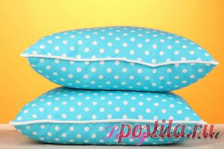 Почему нельзя спать на двух подушках? Что означает народная примета: нельзя спать одновременно на двух подушках? Что ждет одинокого или семейного человека, если он будет спать на двух подушках сразу