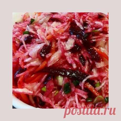 Моя любимая, дача в Instagram: ««Кремлевская хряпа». Любимая капустная закуска в нашей семье ⠀ Этот рецепт несколько лет назад переписала в интернете у писательницы…»