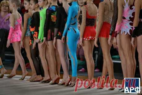 гимнастические комбинезоны для выступлений: 6 тыс изображений найдено в Яндекс.Картинках