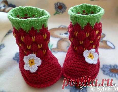 Berry bootees spokes. Description of knitting