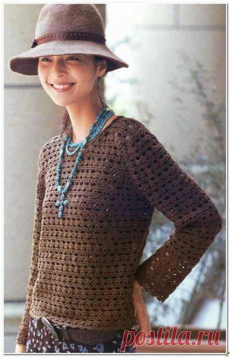 Коричневый пуловер крючком.