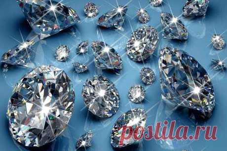 К чему снятся бриллианты (сонники): видит во сне женщина или мужчина, россыпью, большие и маленькие, если найти камень, толкование по Миллеру, Ванге, Лофф, Хоссе