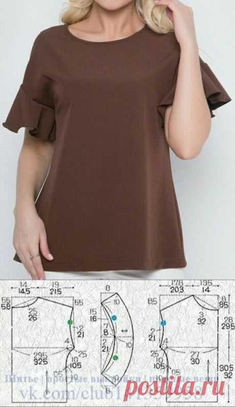 Блузка с воланами на коротких цельнокроеных рукавах, выкройка на размеры 46/48 и 52/54 (рос.).