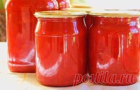 Домашний томатный соус-кетчуп на зиму 1. Соус томатный Классический Ингредиенты:  3 кг помидоров; 150 г сахара; 25 г соли; 80 г 70% уксуса;  20 шт. гвоздичек; 25 шт. перца горошком; 1 зубчик чеснока; щепотка корицы; на острие ножа острого…
