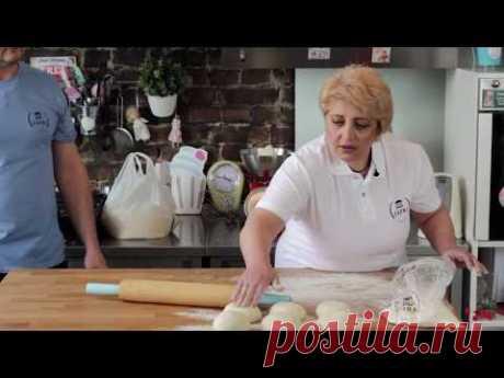 Мастер-класс от мастера Сонны Саргсян: как испечь армянский лаваш.