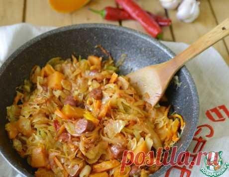Капуста, тушёная с тыквой и колбасками – кулинарный рецепт