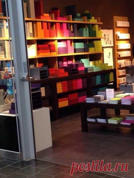Рай для перфекциониста. Магазин канцтоваров, Швеция,Стокгольм.