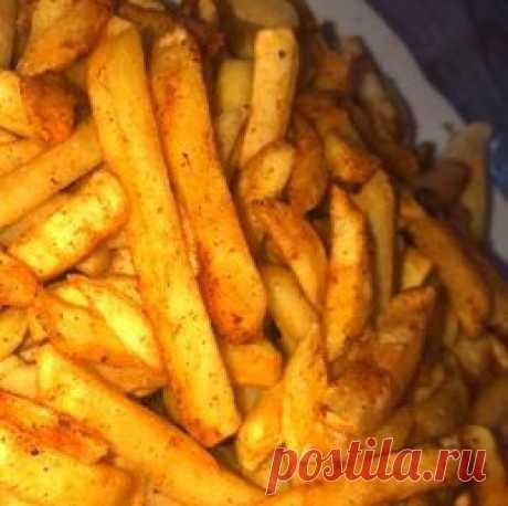 Картошка фри и другие рецепты блюд в домашней фритюрнице Самые популярные блюда во фритюре - картошка фри, чебуреки, луковые кольца и сырные шарики. Все эти рецепты здесь!