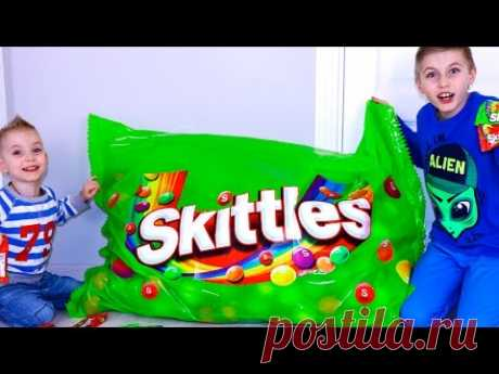 ГИГАНТСКИЙ очень кислый СКИТЛС!!! ЧЕЛЮСТЬ СВЕЛО!!!Bad Baby Giant Candies Skittles!!!