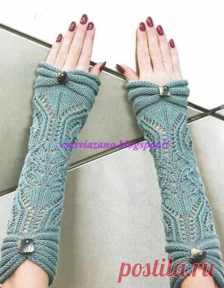 Нарядные митенки к свитеру с короткими рукавами