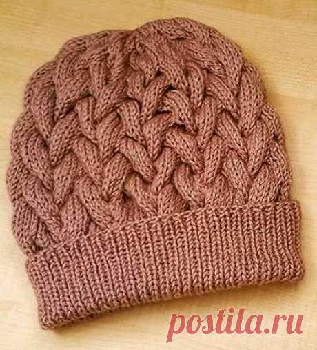 Удобная шапочка с объемными косами спицами | Вязание Шапок - Модные и Новые Модели