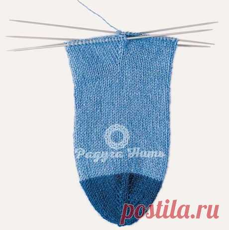 HOW TO KNIT SOCKS FROM THE TOE