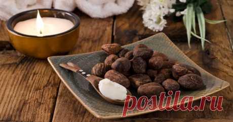 Масло ши – 4 рецепта для красоты кожи и волос Масло ши – 4 рецепта для красоты кожи и волос.  В Западной Африке растет Вителлария удивительная – крупное раскидистое дерево, плодоносящее более 100 лет. Из семян добывают ценное масло, которое назыв…