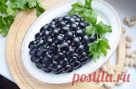 Базовый рецепт приготовления салата Тиффани с курицей и виноградом