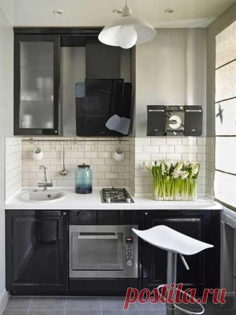 Маленькая симпатичная кухня