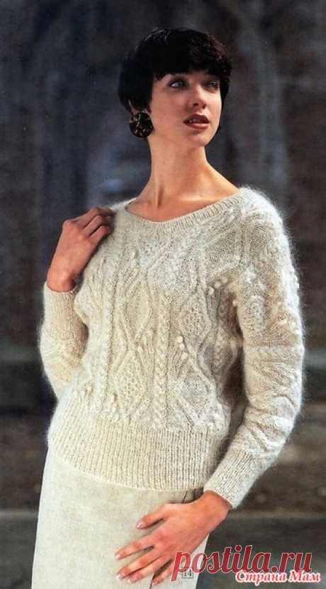 Теплый цельно кройный пуловер с рукавами летучая мышь. Спицы.