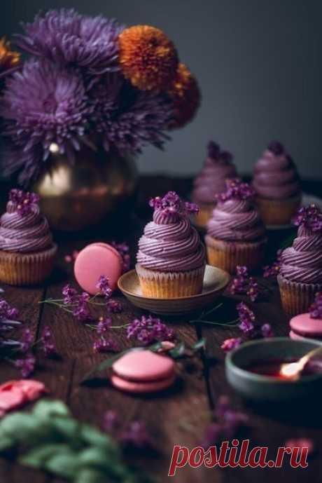 """""""Работа — пища нашей жизни. Удовольствия — ее десерт.""""  Берти Чарльз Форбс"""