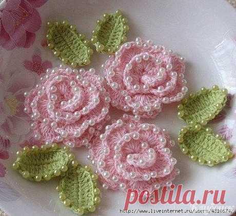 We knit rosettes a hook