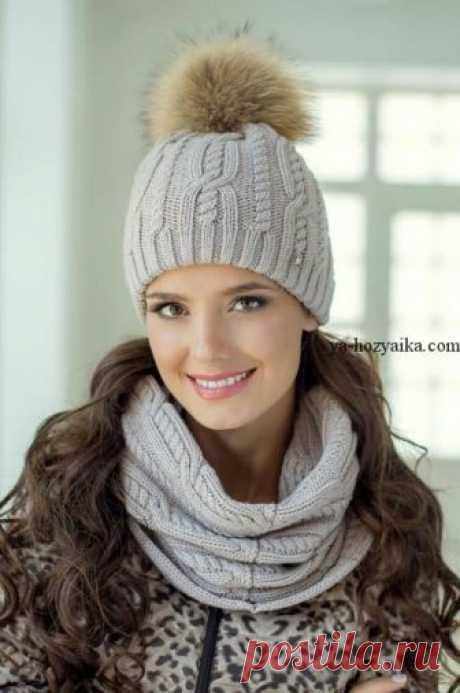 Комплект: снуд и шапочка спицами. Модный женский комплект снуд и шапка спицами