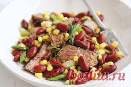 Steak, corn & red bean salad