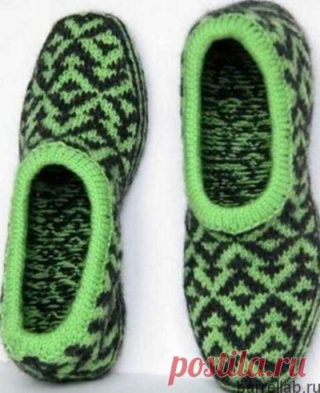 Slippers jacquard pattern spokes. Warm slippers knitted spokes | Knitting for all family
