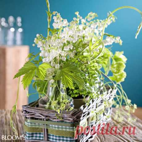 spring-decor-ideas-from-lily-of-the-valley-vases-style1-5.jpg (600×600)