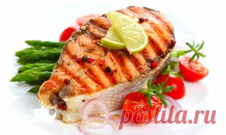Маленькие хитрости при приготовлении рыбы.  1. Перед обработкой рыбы, поместите ее в посуду с водой, если рыба тонет она свежая, если нет, то откажитесь от приготовления данного продукта.2. Для устранения сильного запаха при жарении рыбы в рас…