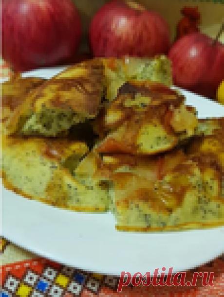 Очень вкусный и простой пирог с яблоками на сковороде