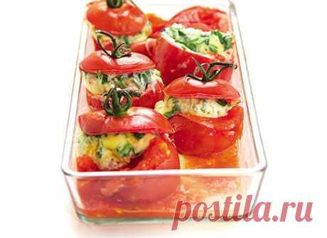 Рецепты для микроволновки: омлет в помидоре | Men's Health Россия