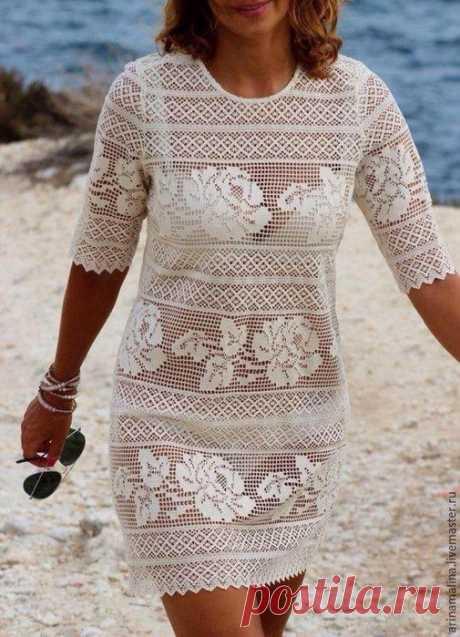 Очень красивое пляжное платье, связанное в технике филейных узоров. Если постараетесь, то сможете связать себе такое же.