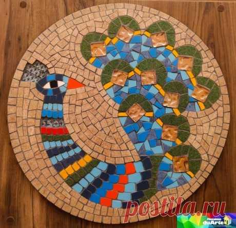 Mandala colorida pavão