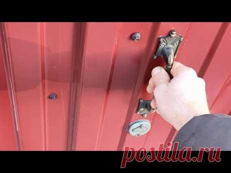 Хитрая система свой-чужой пускает без ключа. Открывание двери с секретом !!!