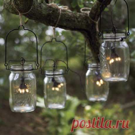 Jars with glowworms - a romantic cosiness for a garden and giving.